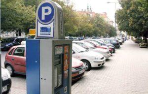 Де знайти парковки в містах Польщі