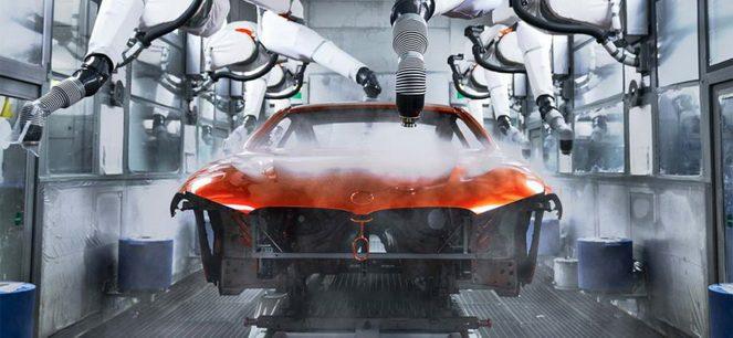 Автомобіль БМВ на заводі