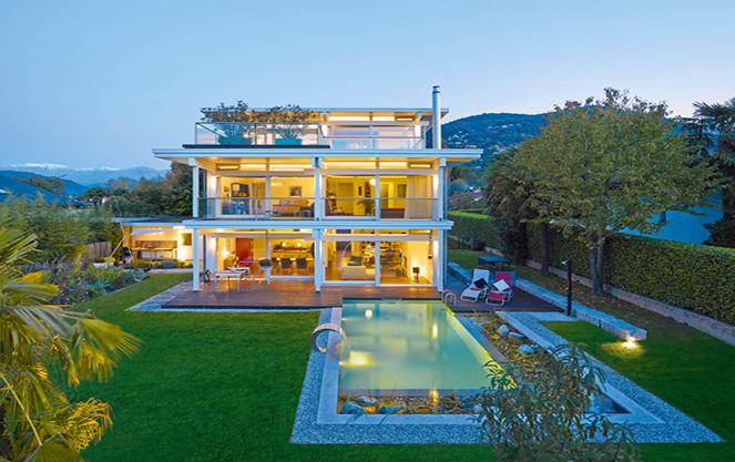 Гарний каркасний будинок