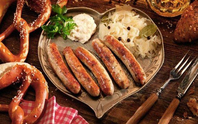 Правила подачі баварських ковбасок