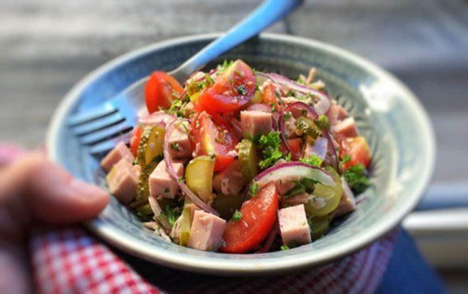 Ковбасне вироби для баварського салату
