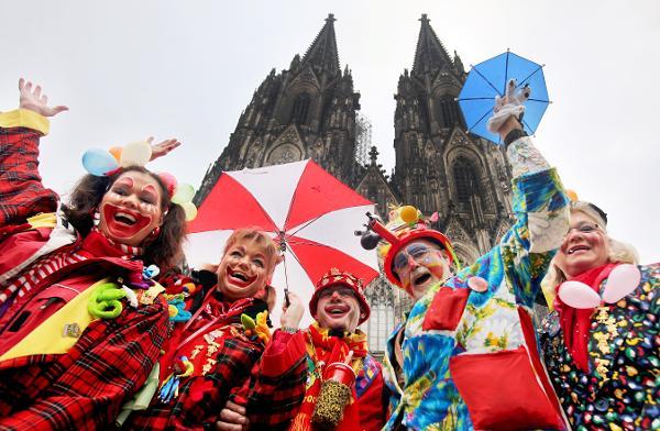 Яскравий карнавал у Кельні