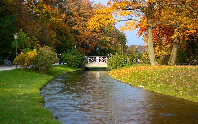 Річка в англійському саду