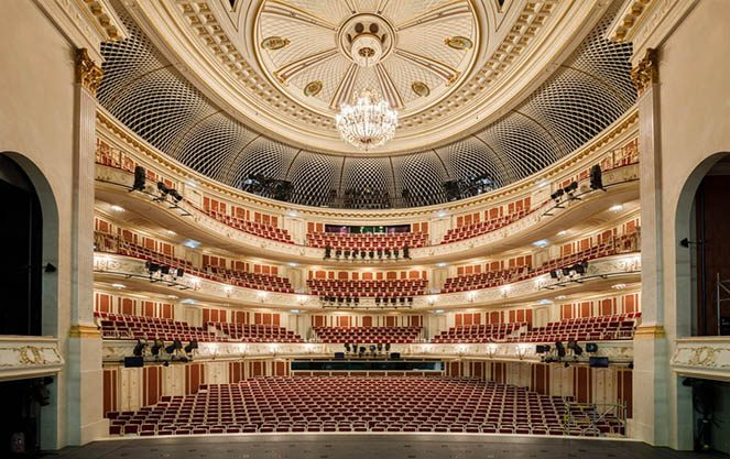 Зал берлінського державного оперного театру