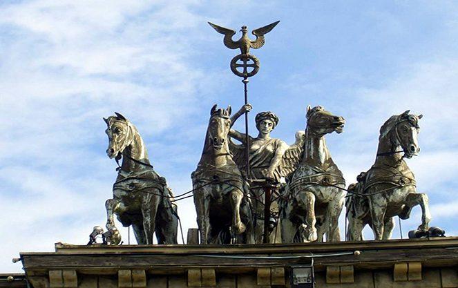 Архітектурна символіка бранденбурзьких воріт