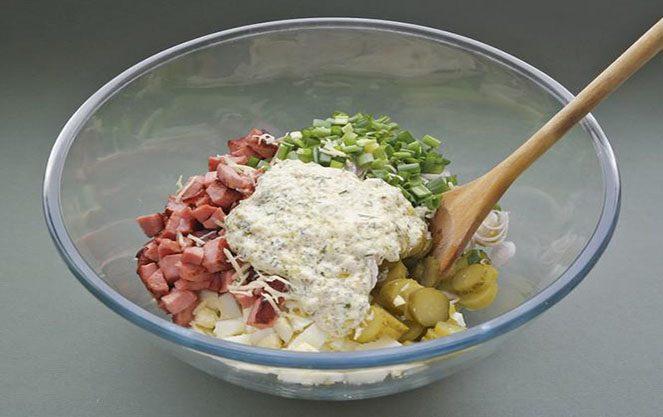 Інгредієнти для салату мюнхенського