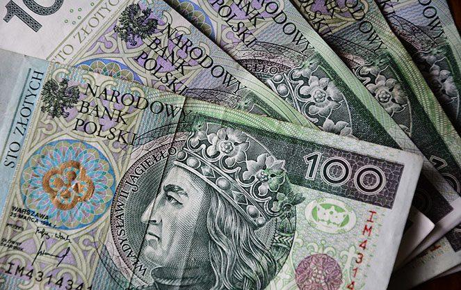 Середня та мінімальна зарплата в Польщі