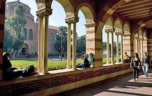 можливості в UCLA для учнів