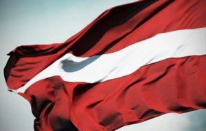 мінімальна зарплата в Латвії