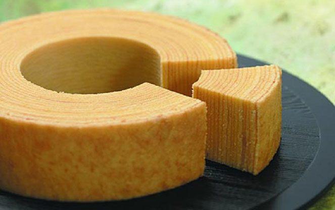 Баумкухен пиріг у формі дерева