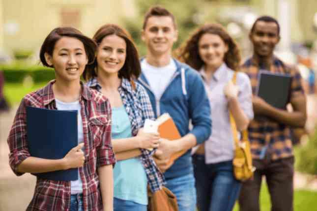 Мовні курси і школи в Чехії